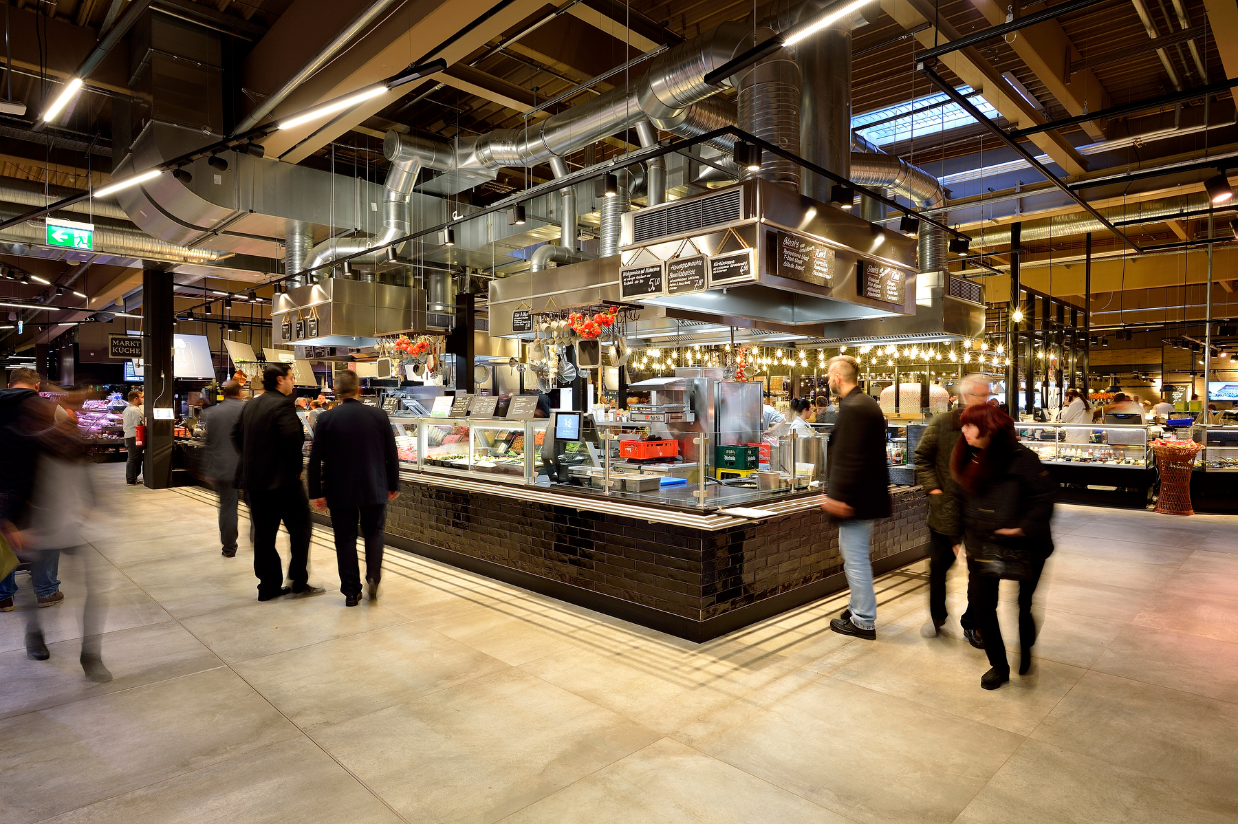 Die Marktküche von Real mit neuen Konzept in der Markthalle Krefeld